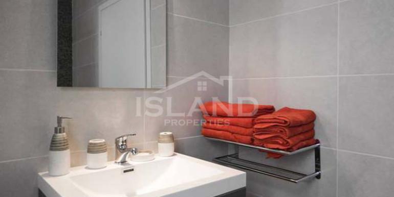Shower room apartment St Julians