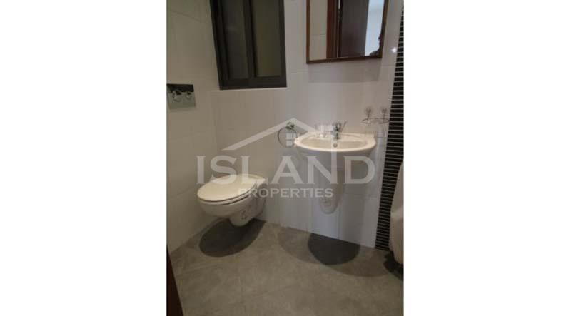 Bathroom/Maisonette in St Julians