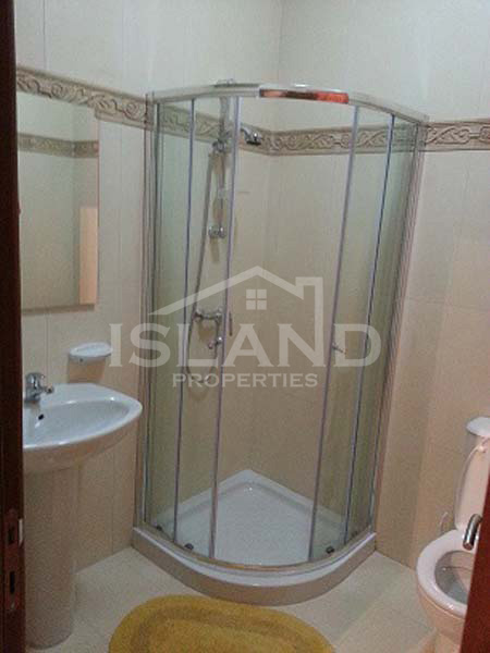 Shower room apartment San Gwann