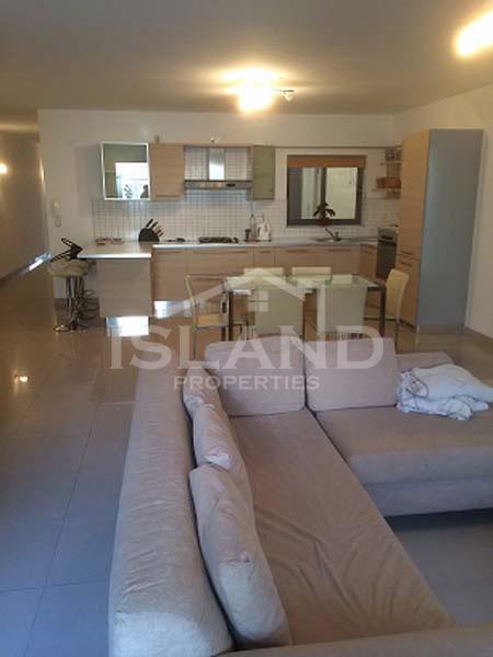 Living room apartment Swieqi