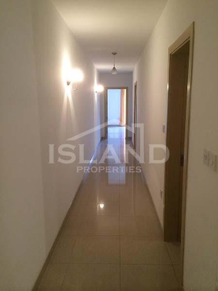 Corridor apartment Swieqi