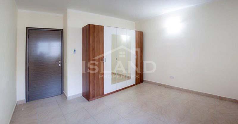 Room/Maisonette in Madliena