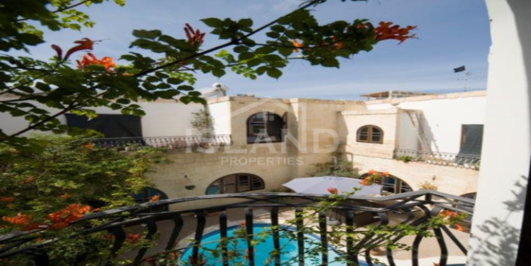 Swimming pool/House of Character in Zejtun