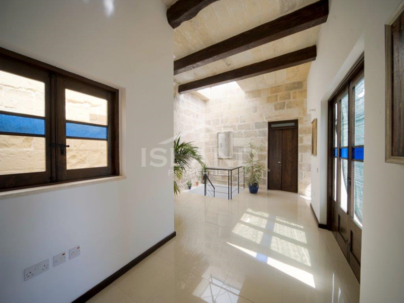 Corridor/House of Character in Zejtun
