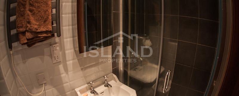 Bathroom/Modern Apartment in Sliema