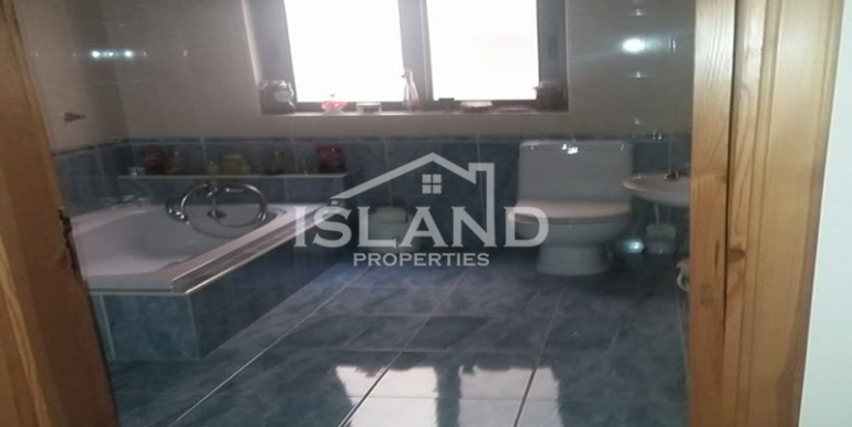 Bathroom apartment Msida