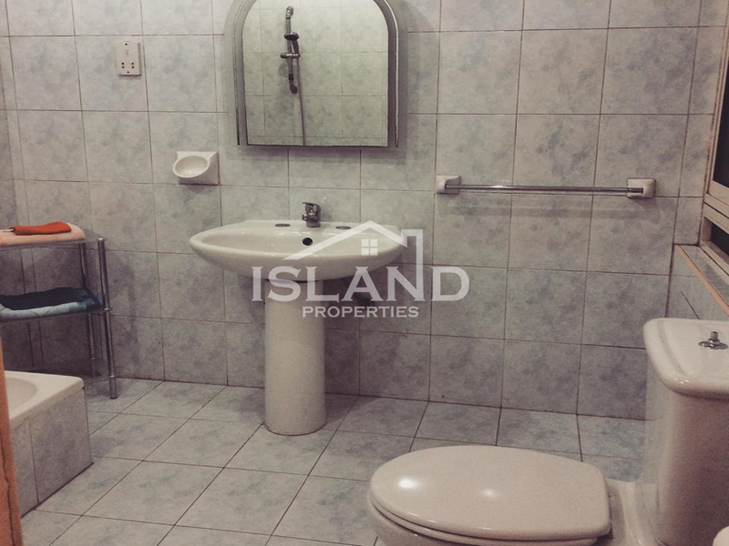 Bathroom apartment Sliema