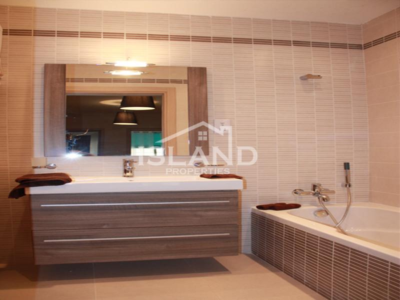 Island Properties apartment bathroom in Sliema