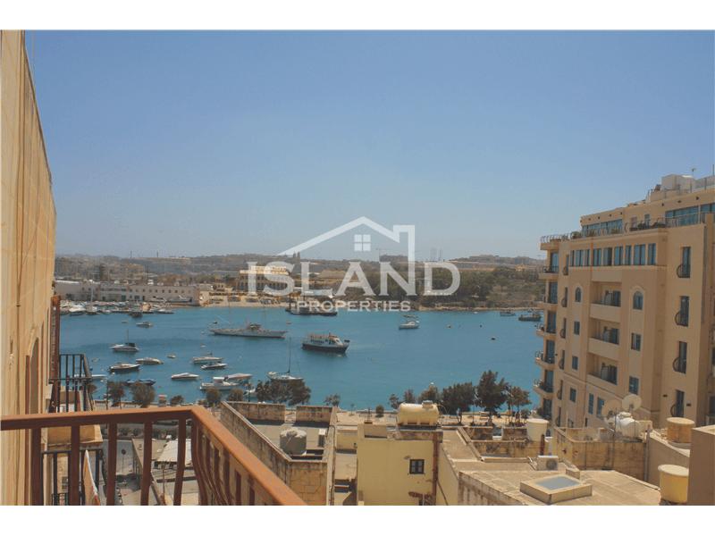 Sea View Apartment in Sliema