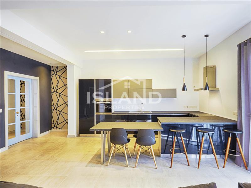 Modern Sea-view Apartment in Sliema