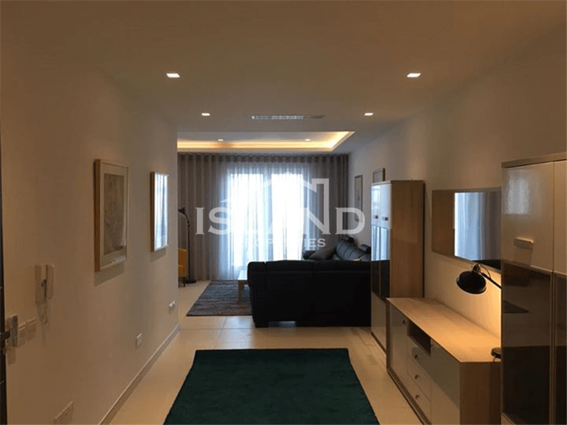 Luxury Three Bedroom Apartment in Sliema