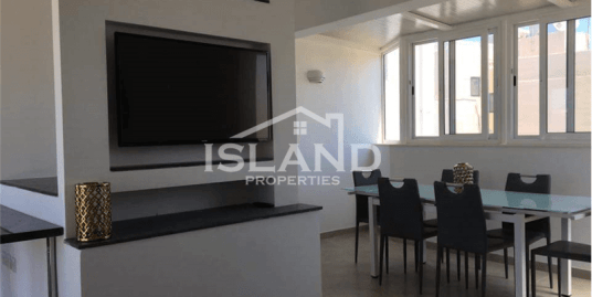 Stunning Three Bedroom Duplex Penthouse in Sliema