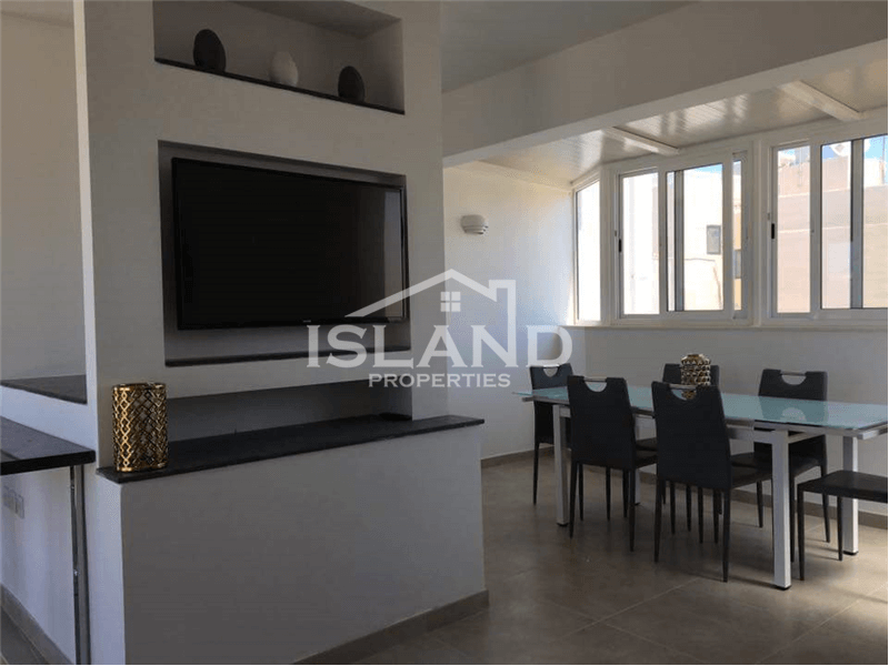 Stunning Three Bedroom Duplex Penthouse in Sliema