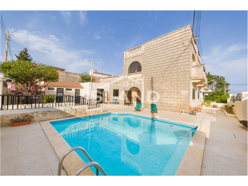Three Bedroom Villa in St Julians