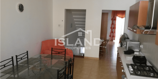 One Bedroom Maisonette in Gzira with Study