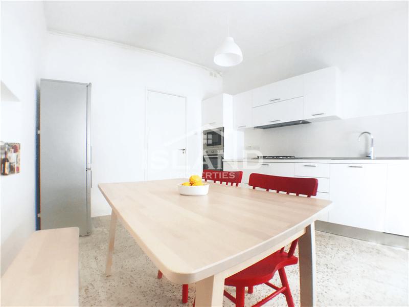 Modern Three Bedroom Apartment in San Gwann