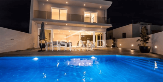Five Bedroom Semi-detached Villa In St. Julians