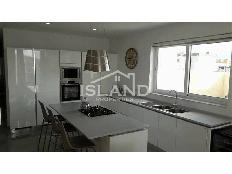 Two Bedroom Penthouse In Birkirkara