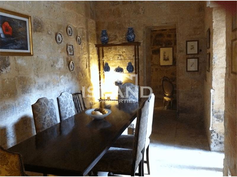 Two Bedroom House Of Character In Haz-Zebbug