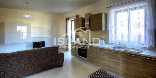 Three Bedroom Apartment In San Gwann