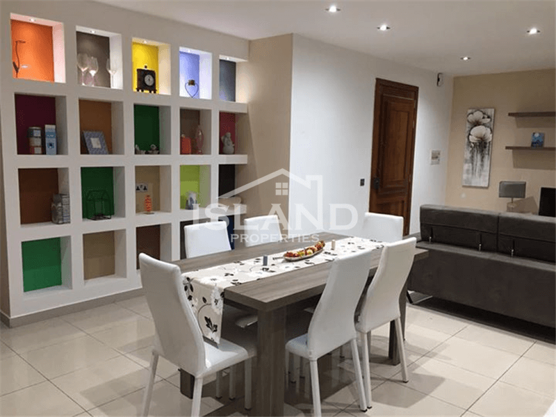 Three Bedroom Maisonette In Mosta