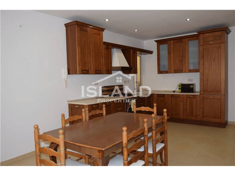 Three Bedroom Apartment In Tal-Ibrag