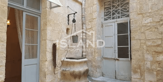 Four Bedroom Duplex Maisonette in Mdina