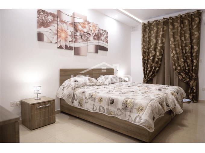 Two Bedroom Apartment in San Gwann