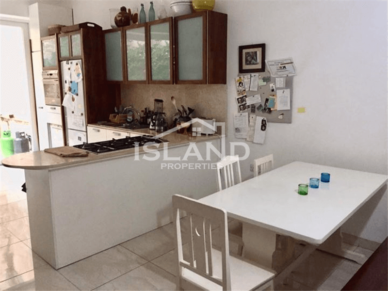 Four Bedrooms Townhouse in Sliema