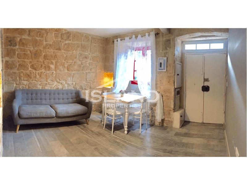 Two Bedroom House of Character in Lija