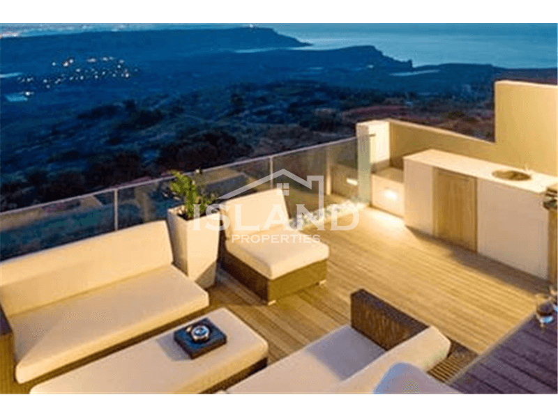 Two Bedrooms Duplex Penthouse in Mellieha