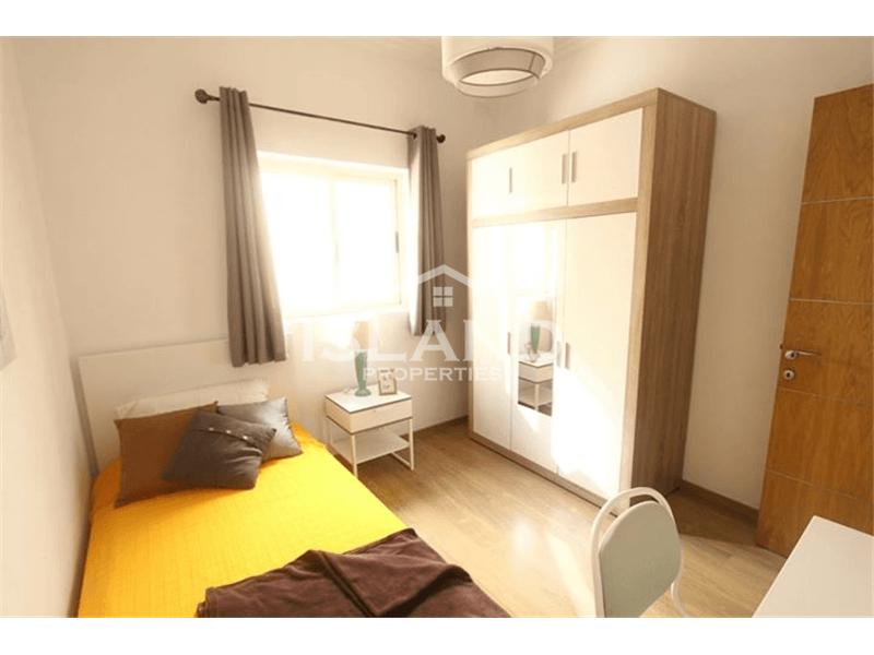 Three Bedrooms Apartment in Ghaxaq