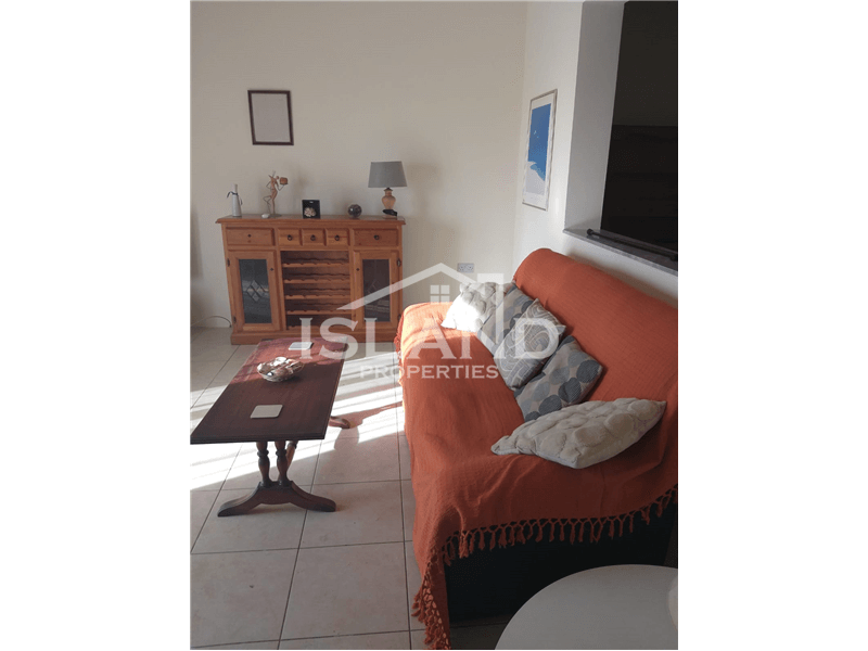 Three Bedrooms Apartment in Naxxar