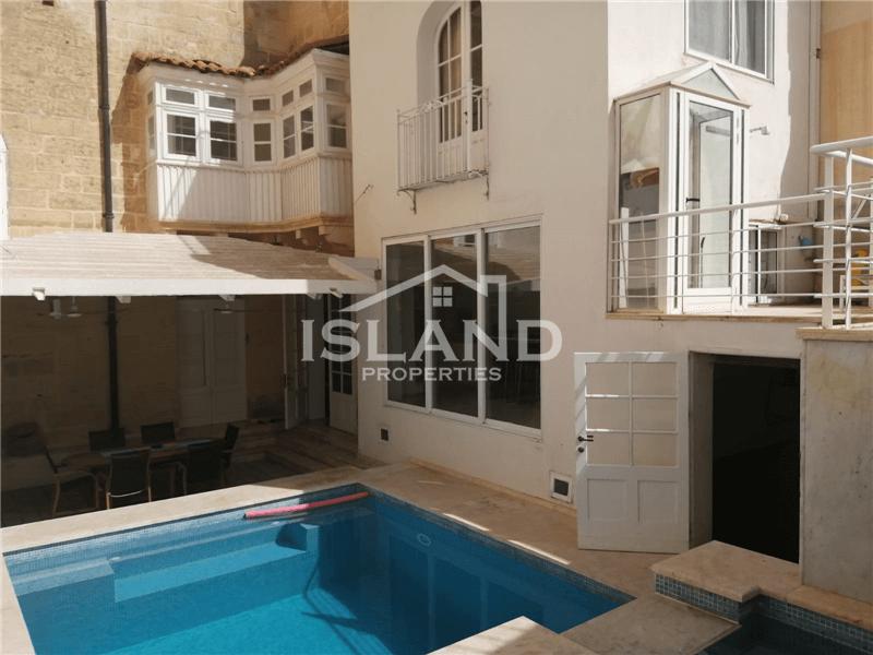 Four Bedroom Townhouse in Sliema